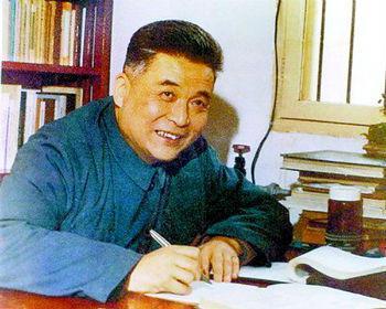 邓稼先:异国再好终是别人家的土地,中国再穷也是我们的根儿