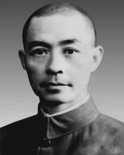 抗日名将张自忠殉国:日军停止空袭,蒋介石扶灵,妻子则绝食而亡