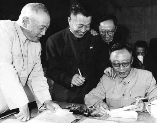 淮海战役中被俘虏的杜聿明,被特赦后的结局如何?